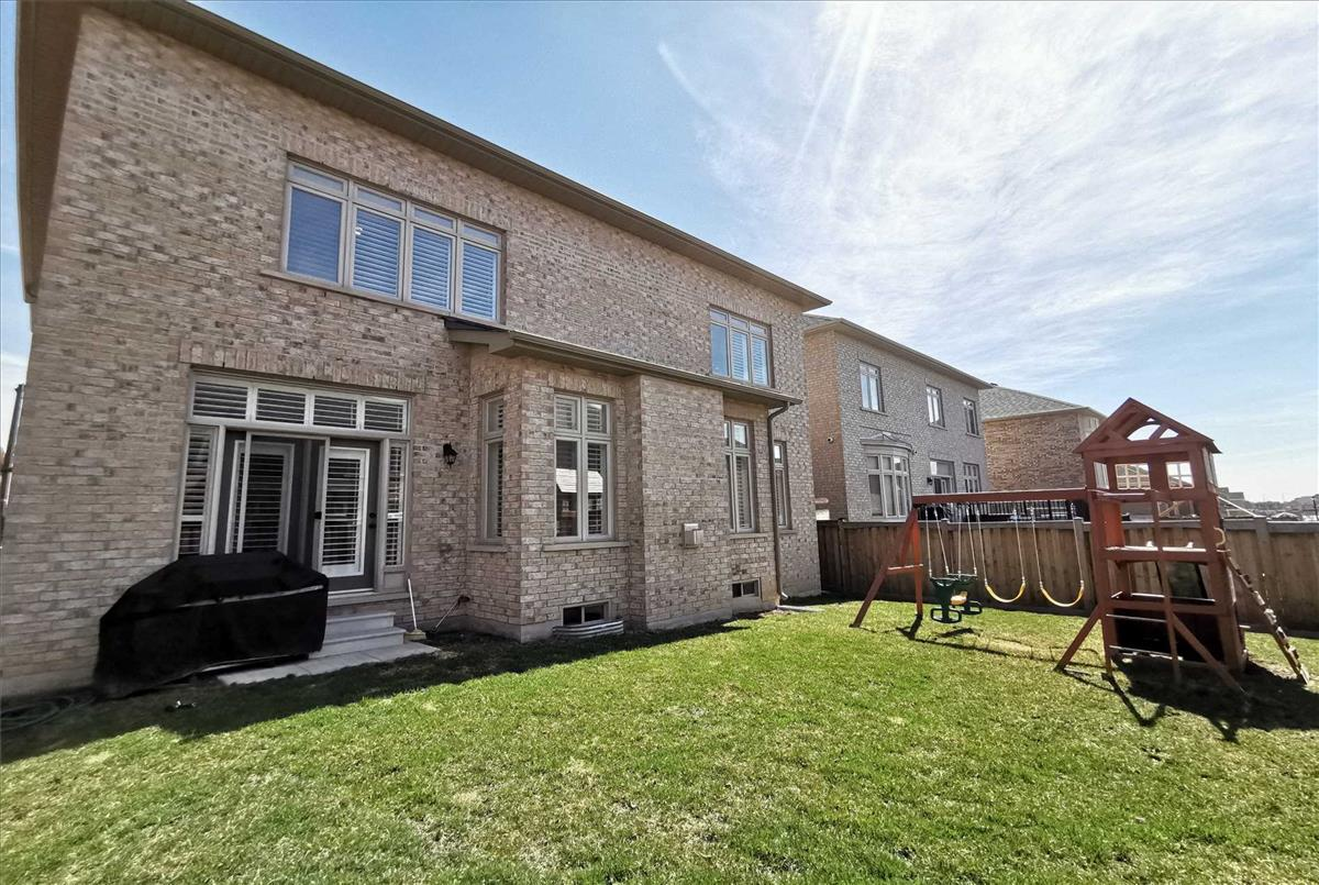 118 Ironside Dr Vaughan Peggy Lai